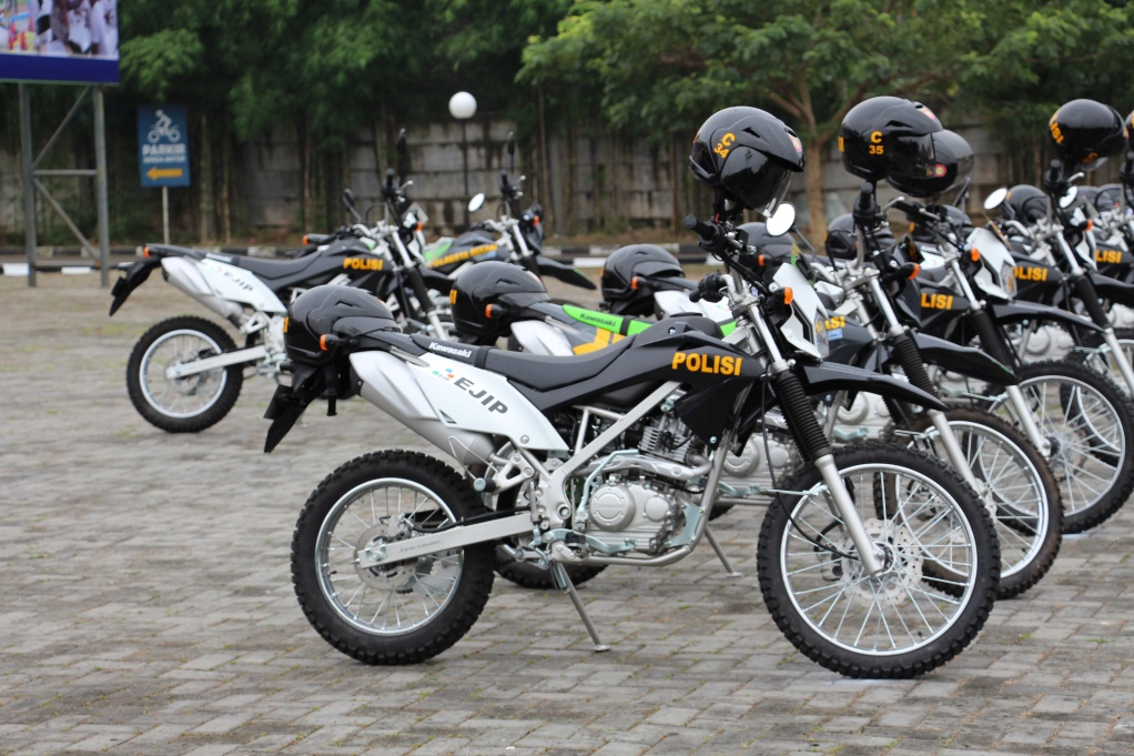 Grant 12 patrol motorcycle from EJIP and Epson