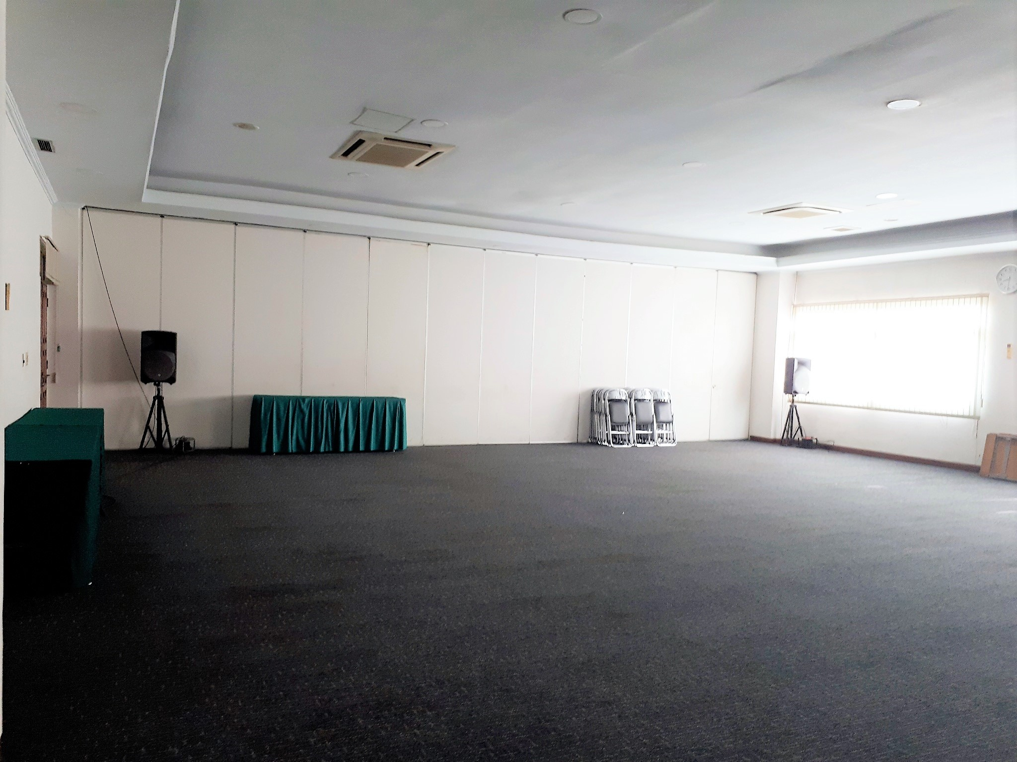 会議室 I + II